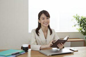日本人OL笑顔