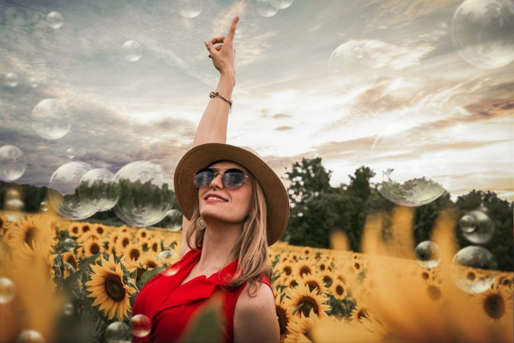 sunflower-field-pretty-girl